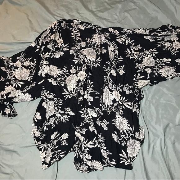 Sheer Kimono With 3 Quarter Sleeves